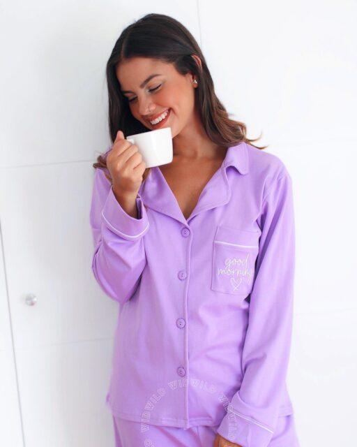 Good morning ☕️🌞  Perfectas para usarlas desde la mañana hasta la noche, nuestras pijamas de algodón pima premiun te dan el confort que necesitas para tener ese descanso de lujo. ✨  Encuentra disponible todo los modelos y colores que tenemos para ti 🤗: www.widwild.com