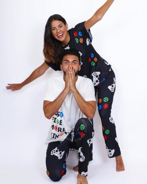 G A M E 🎮 ♥️ N I G H T  Un poquito de distracción luego de un día largo de trabajo, no le viene mal a nadie.😜  ¡Disfruta tus noches en pareja con nuestras divertidas pijamas! 👩❤️👨  Shop now 📲: www.widwild.com   #bestpjs #pjsallday #perfectmatch #pijamas #match #homewear #sleepwear #gamenight