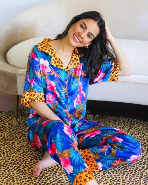 ¡El tiempo contigo misma es primordial y necesario! 💞🙆🏻♀️ Por eso, nada mejor que engreírte con nuestras pijamas de seda, dándote el descanso de calidad que necesitas.✨  No olvides que puedes encontrar todos nuestros pijamas en: www.widwild.com   #silk #pjs #homewear #timewithmyself #sleepwear